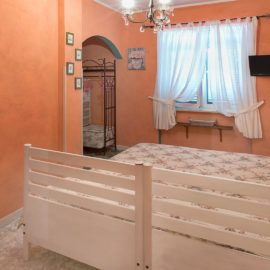 camera rosa antica agriturismo torre flavia